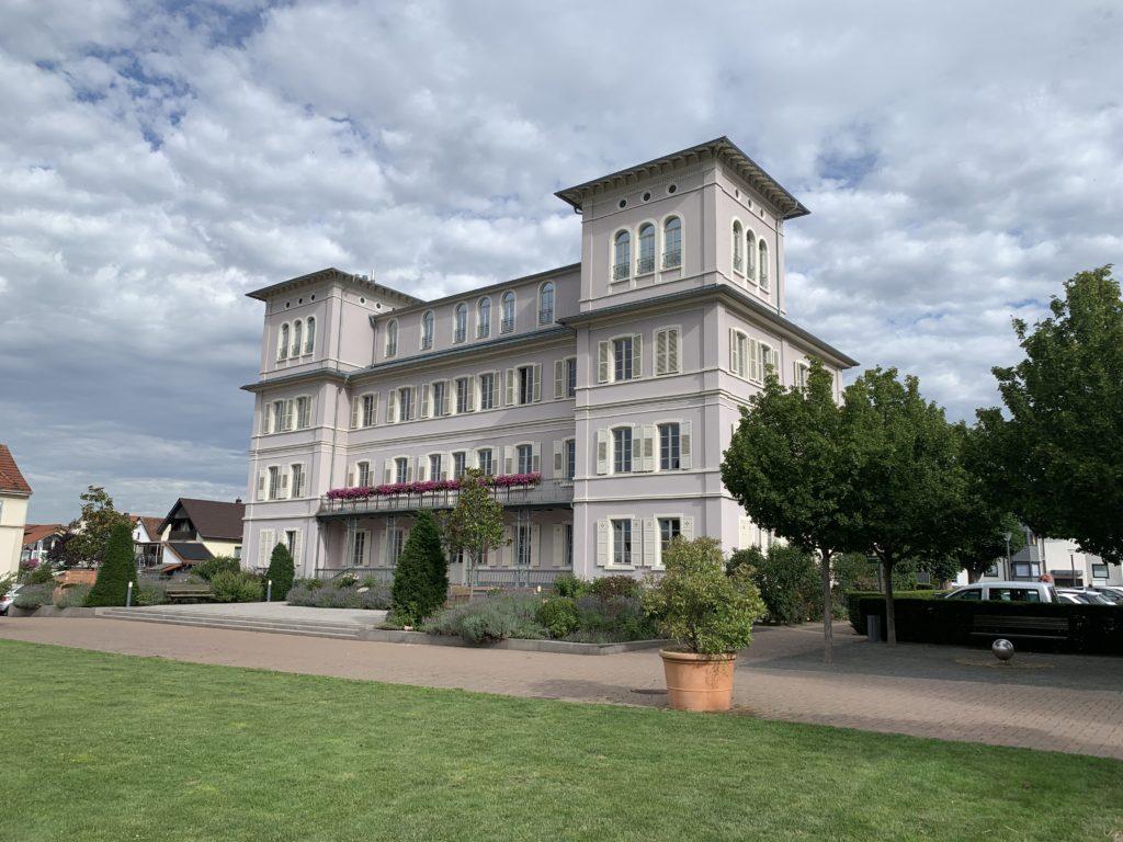 Ein schönes Schloss. Das Rathaus von Hemsbach.
